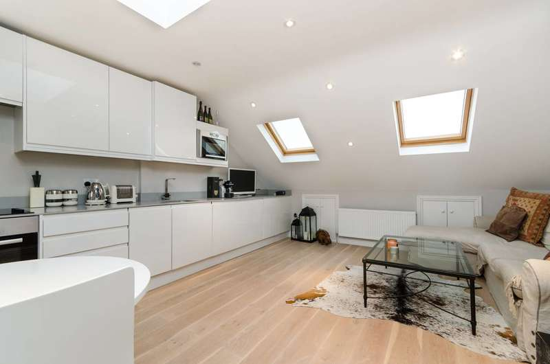 2 Bedrooms Flat for sale in Shorrolds Road, Fulham Broadway, SW6