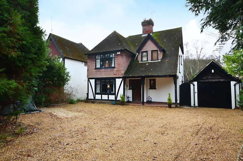 3 Bedrooms Detached House for sale in The Riding, Woking, GU21
