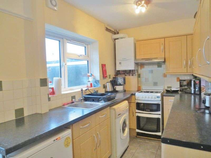 4 Bedrooms Terraced House for rent in Eastbourne Road, Brighton
