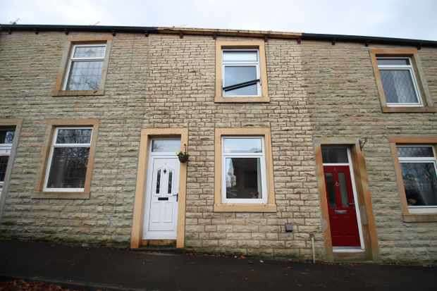 2 Bedrooms Terraced House for sale in Church Street, Burnley, Lancashire, BB12 7RW