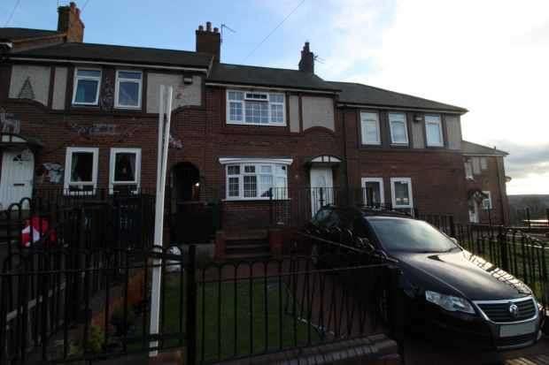 2 Bedrooms Terraced House for sale in Haig Crescent, Newcastle Upon Tyne, Northumberland, NE15 6DL