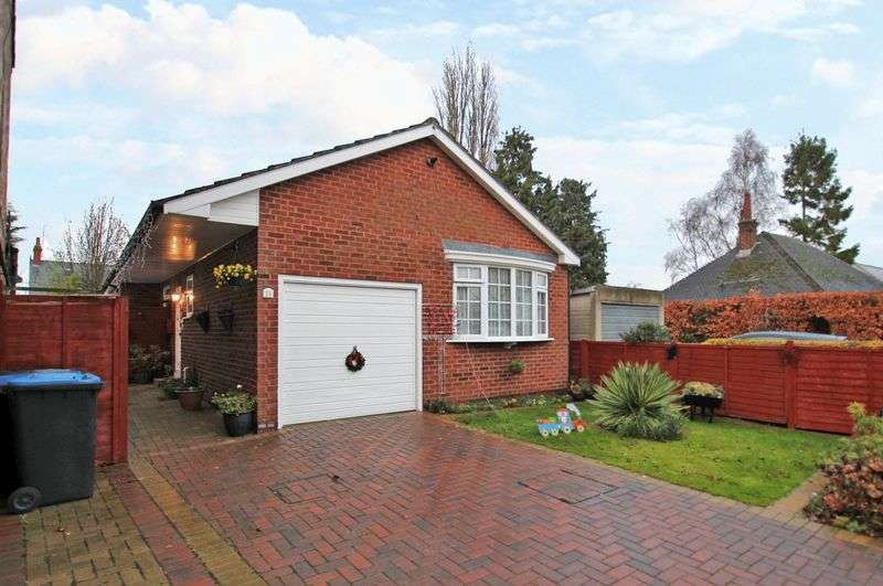 3 Bedrooms Detached Bungalow for sale in Gladstone Street, Fleckney