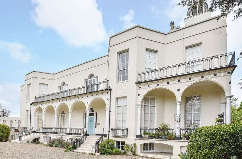 3 Bedrooms Flat for sale in Hotham Park, Bognor Regis, PO21