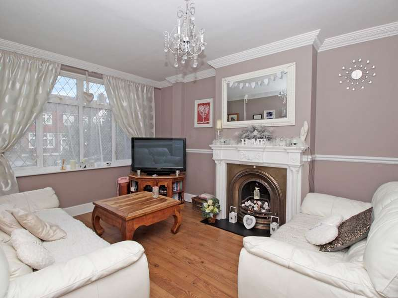 4 Bedrooms Terraced House for sale in Aviemore Way, Beckenham, BR3