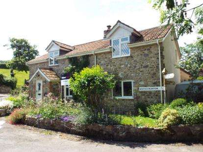 3 Bedrooms Detached House for sale in Chard, Somerset