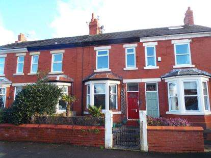 3 Bedrooms Terraced House for sale in Belmont Road, Lytham St. Annes, Lancashire, FY8