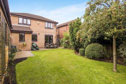 3 Bedrooms Detached House for sale in Royal Troon Court, Kirkham, Preston, Lancashire, PR4