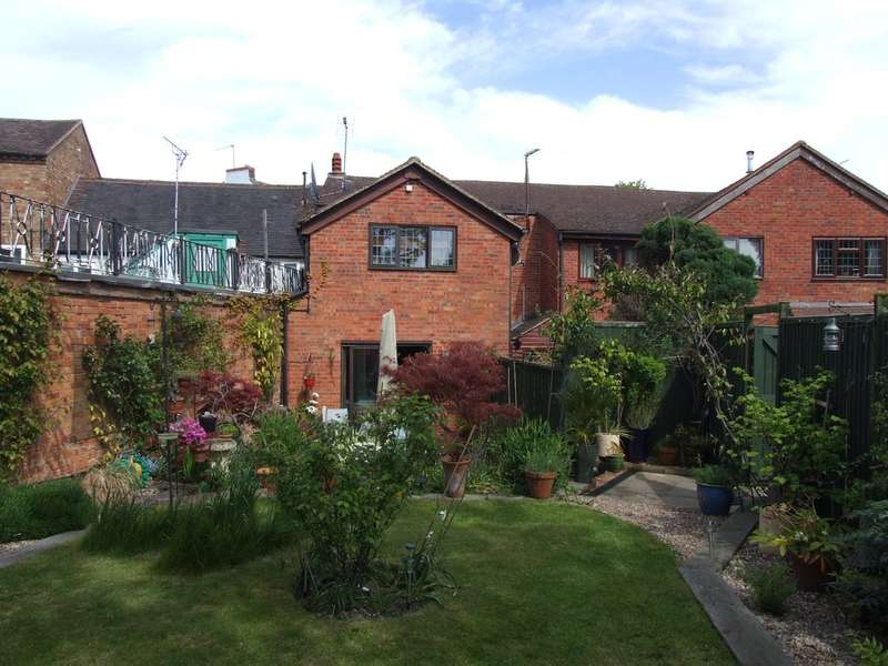 2 Bedrooms Terraced House for sale in Church Street, Evesham