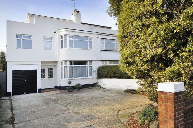 3 Bedrooms Flat for sale in Shaftesbury Avenue, Goring-by-Sea