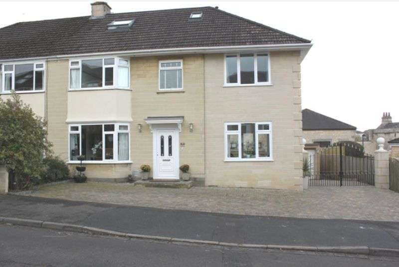 5 Bedrooms Property for sale in Beautiful Five Bedroom House, Bath