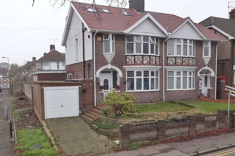 6 Bedrooms Semi Detached House for sale in Round Green