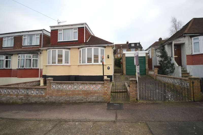 2 Bedrooms Semi Detached Bungalow for sale in Howard Avenue, Rochester, ME1
