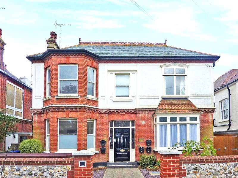 2 Bedrooms Apartment Flat for sale in Winchester Road, Worthing, West Sussex, BN11