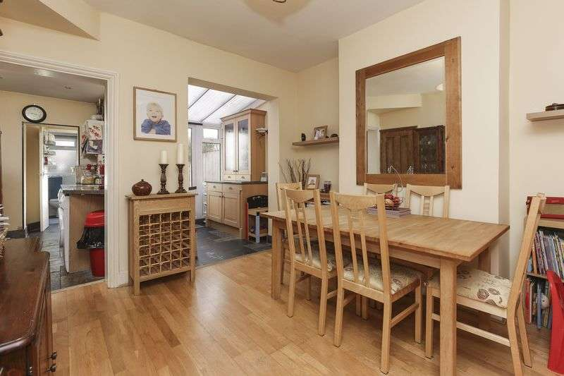 3 Bedrooms Terraced House for sale in Halifax Road, Enfield