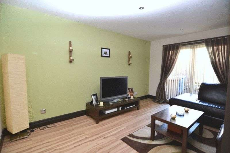 3 Bedrooms Terraced House for sale in Stronsay Way, Irvine