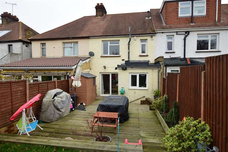 3 Bedrooms Terraced House for sale in Rochester Road, Gravesend, Kent