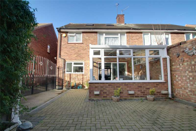 3 Bedrooms Semi Detached House for sale in Oxford Way, Feltham, TW13