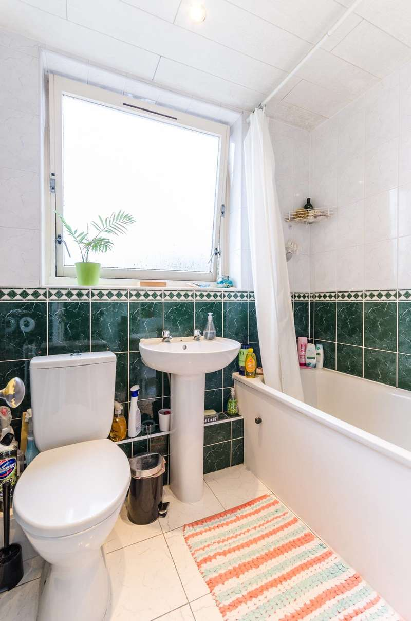 2 Bedrooms Flat for sale in Marshfield Street, Isle Of Dogs, E14