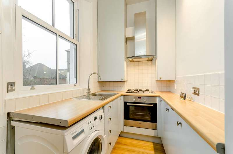 2 Bedrooms Flat for sale in Cintra Park, Crystal Palace, SE19