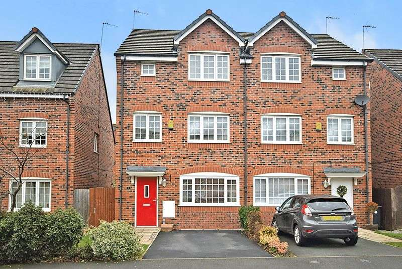 4 Bedrooms Semi Detached House for sale in Latimer Close, Widnes