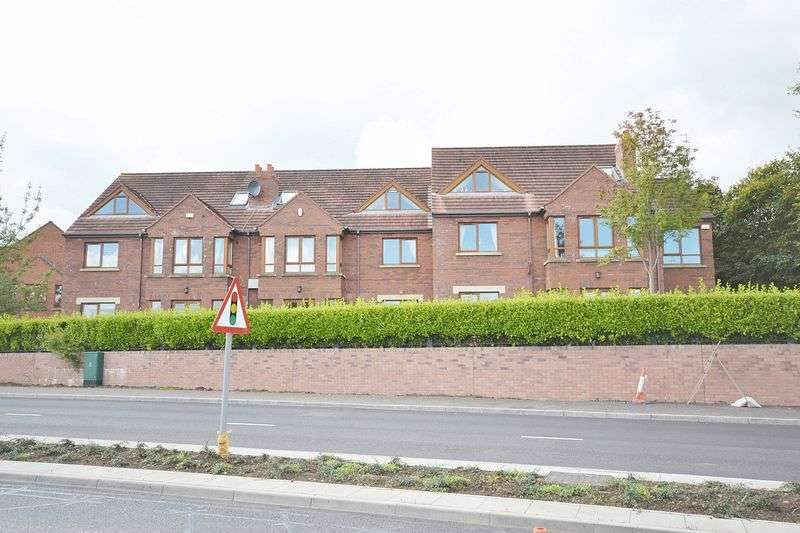 3 Bedrooms Flat for sale in Schooner Court, Newtownabbey