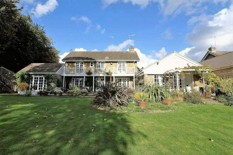 5 Bedrooms House for sale in Hall Close, Harrold, MK43