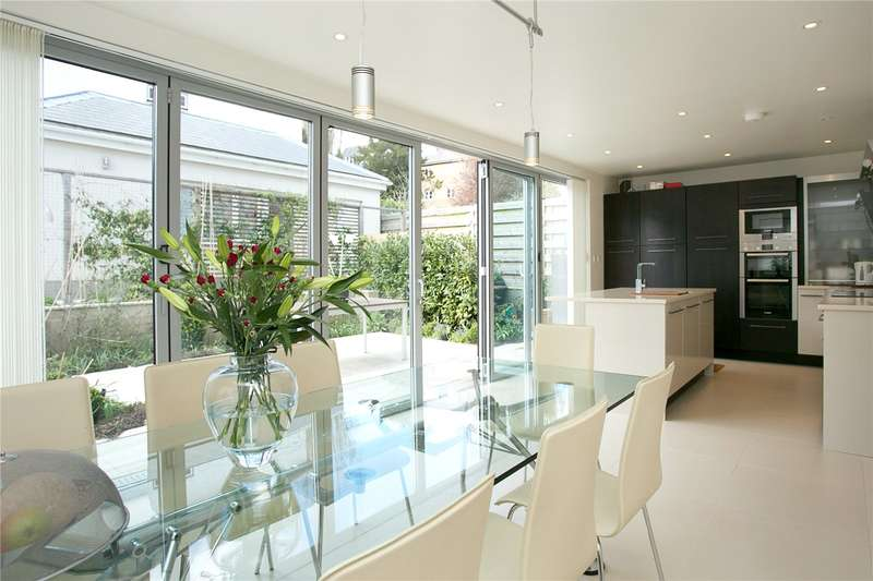 5 Bedrooms Detached House for sale in Canonbie Road, London, SE23