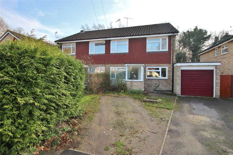 4 Bedrooms Semi Detached House for sale in Graylands Close, Horsell, Surrey, GU21