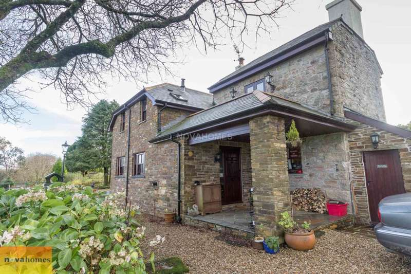 4 Bedrooms Detached House for sale in Monks Cross, PL17 8HB