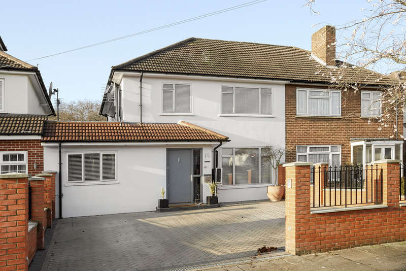 4 Bedrooms Semi Detached House for sale in Windermere Road, Kingston Vale, London, SW15
