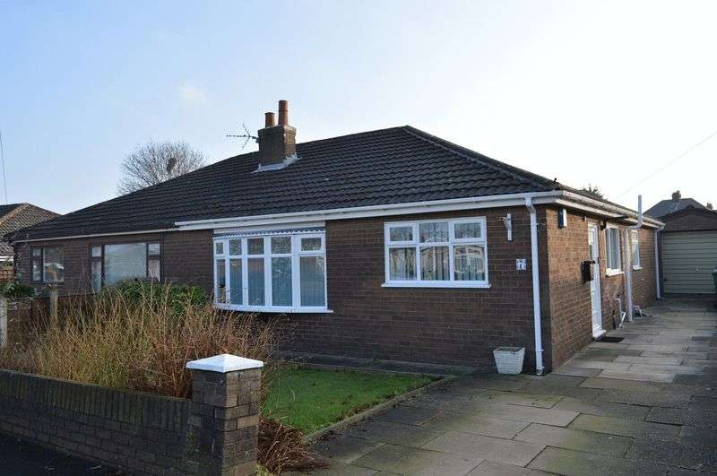 2 Bedrooms Semi Detached Bungalow for sale in Meadway, Lowton, WA3 2JT