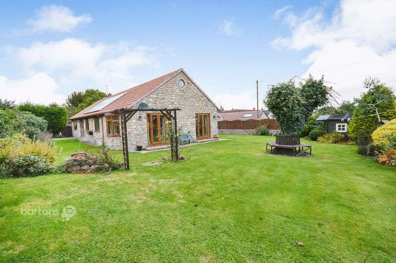 4 Bedrooms Detached Bungalow for sale in St Johns Road, Laughton, SHEFFIELD