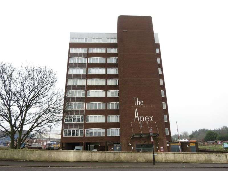 2 Bedrooms Flat for sale in Central Peterborough