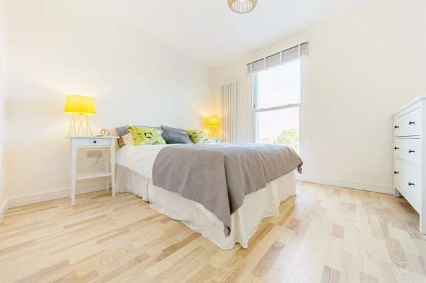3 Bedrooms Apartment Flat for sale in Queens Road, Peckham, SE15