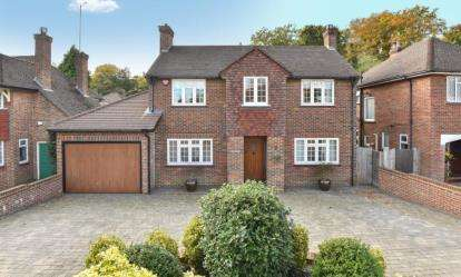 4 Bedrooms Detached House for sale in Tower Road, Orpington