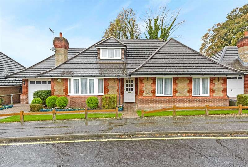 4 Bedrooms Detached Bungalow for sale in Larcombe Close, Croydon, CR0