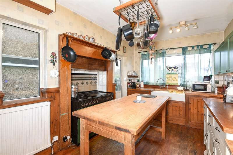 4 Bedrooms Semi Detached House for sale in Churchfield Close, Harrow, Middlesex, HA2