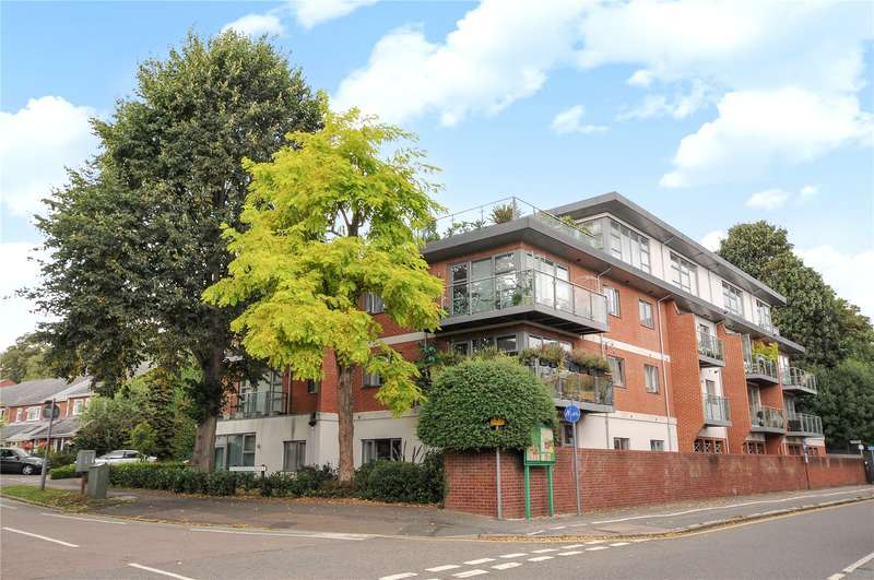 2 Bedrooms Apartment Flat for sale in Cloisters Court, The Cloisters, Hertfordshire, WD3