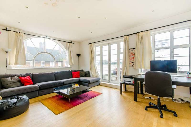 3 Bedrooms Flat for sale in Holloway Road, Islington, N7