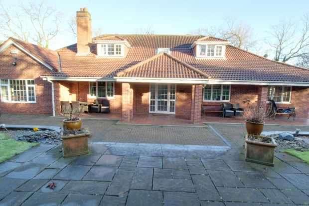6 Bedrooms Detached House for sale in Pastures Avenue, Derby, Derbyshire, DE23 4BE
