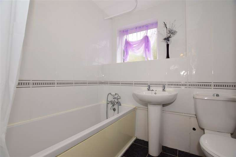 3 Bedrooms Terraced House for sale in Coltstead, New Ash Green, Longfield, Kent