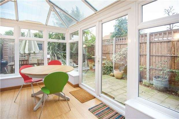 4 Bedrooms Terraced House for sale in Toland Square, Putney, London, SW15