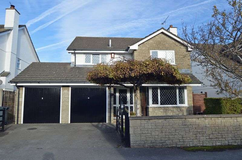 4 Bedrooms Detached House for sale in Midway between town centre and sea front in Clevedon