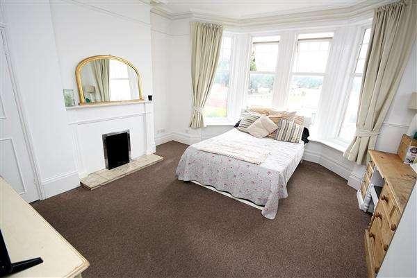 1 Bedroom Apartment Flat for sale in South Terrace, Littlehampton