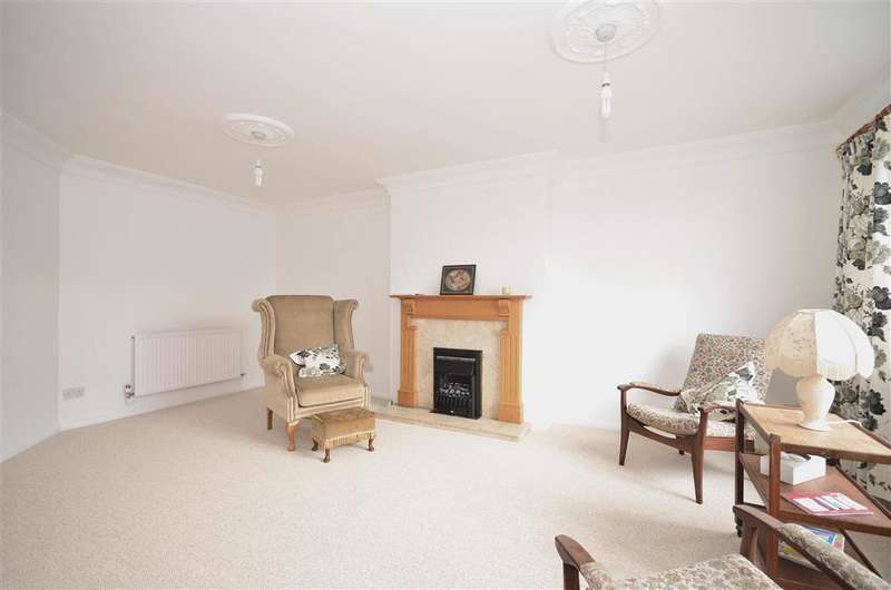3 Bedrooms Bungalow for sale in Green Close, Southwater, Horsham, West Sussex