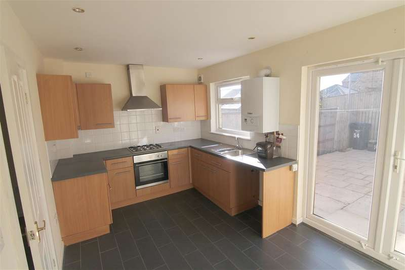 3 Bedrooms Terraced House for sale in Edward Close, Halifax