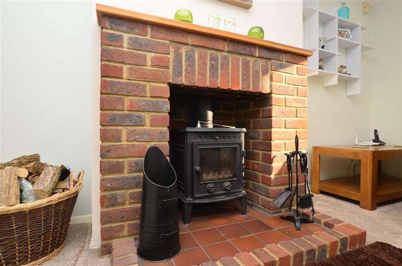 4 Bedrooms Semi Detached House for sale in Fiennes Road, Herstmonceux, Hailsham, East Sussex