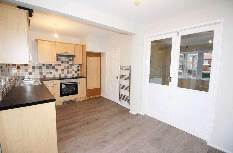 3 Bedrooms Semi Detached House for sale in 1 Belgrave Place, Poulton-Le-Fylde, Lancashire, FY6 7RR
