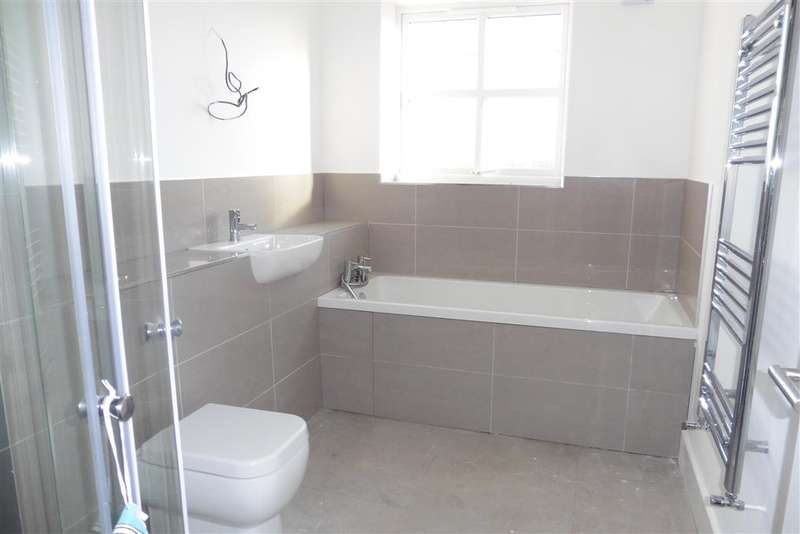3 Bedrooms Terraced House for sale in Bradley Road, Upper Halling, Rochester, Kent
