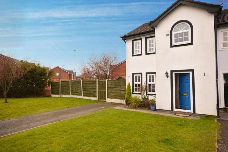 3 Bedrooms Semi Detached House for sale in Stonechat Close, Worsley, Manchester, M28